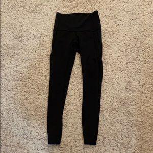 Lululemon leggings!! Mesh sides, with pockets!!